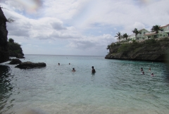 Playa Lagun entry
