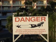 Warning sign on Maho Beach